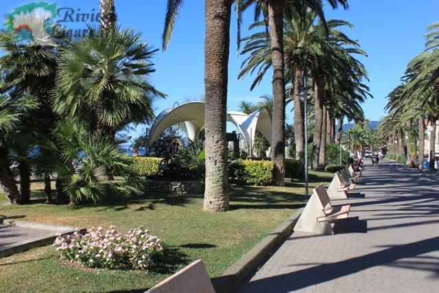 Bagni Giardino Pietra Ligure : Trilocali con giardino in vendita a pietra ligure sv trovacasa