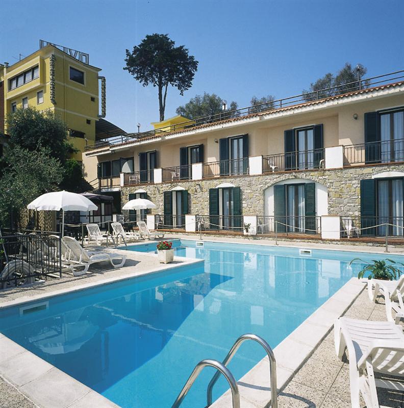 Hotel agriturismo bed breakfast diano marina camere - Agriturismo liguria con piscina ...